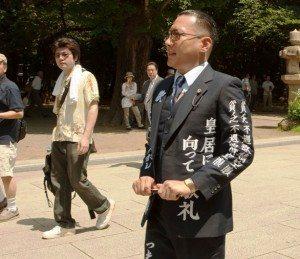 Comedian Minoru Torihada pays his respects at Yasukuni Shrine on Saturday, August 15 in Kudanshita, Tokyo