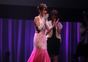 Shelly Fujii was crowned Best New Actress at the Sky PerfecTV! Adult Broadcasting Awards 2010 that took place Wednesday night at a theater in Tokyo's Shibuya district.