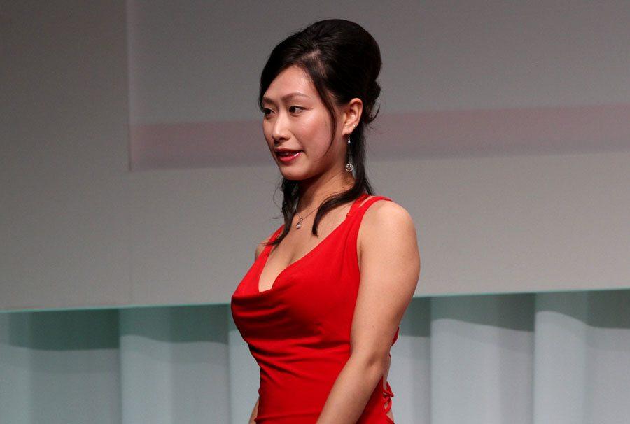Yayoi Yanagida wins Yukan Fuji media award at 2011 porn awards