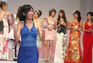 Uta Kohaku of Paradise TV wins Best Production in HD for 'No Panty News' at 2011 porn awards