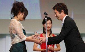 Azumi Harusaki wins Tokyo Sports media award at 2011 porn awards