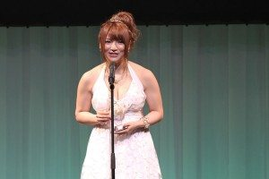 Shiori Kamisaki takes Best Film prize at the Sky PerfecTV! Adult Broadcasting Awards 2012 that took place on February 14 at a hotel ballroom in Tokyo's Shinagawa district.