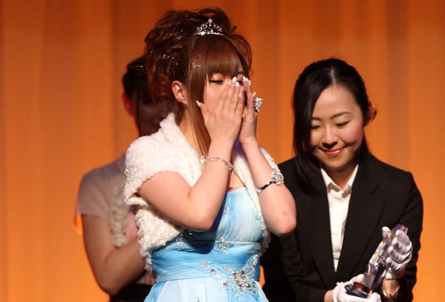 Kokomi Naruse wins Best Actress at the Sky PerfecTV! Adult Broadcasting Awards 2012 that took place on February 14 at a hotel ballroom in Tokyo's Shinagawa district.