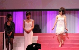 Yui Fujishima (right) on stage