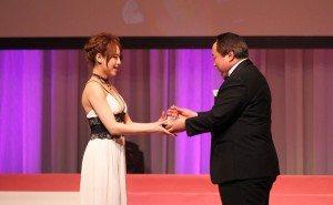 Akiho Yoshizawa receives her award