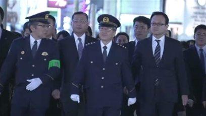 Yusuke Takatsuna (center)