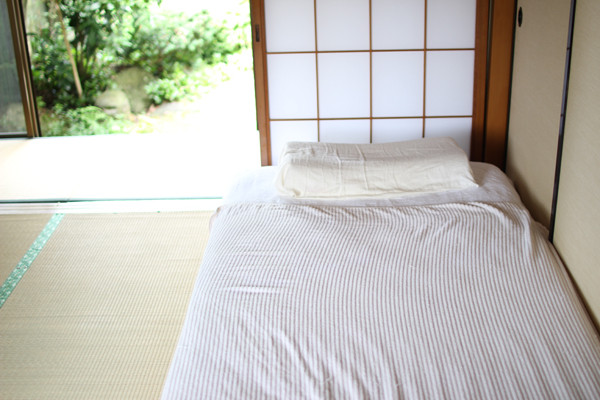 The body of Shigeko Kamio was found atop a futon inside her residence in Kobe on September 7