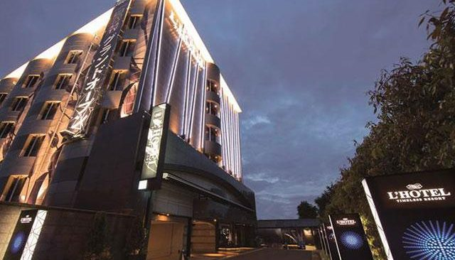 A man found collapsed outside a love hotel Tennoji Ward was later confirmed dead at a hospital